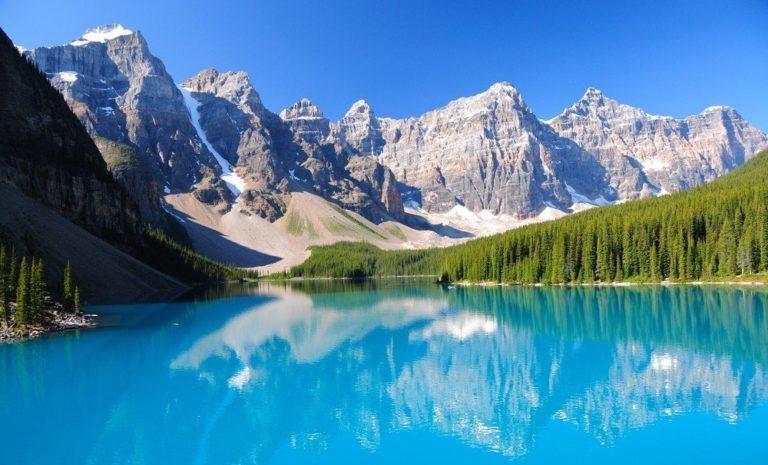 TOP-10: Lacuri care sunt colorate neobișnuit